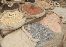 Мешки зерна с словами в итальянке для различных типов o Стоковое фото RF