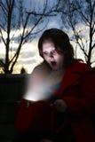 мешок накаляя она внутренностью смотря женщину Стоковые Изображения RF