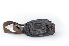 Мешок талии на белой предпосылке, сумке пояса джинсовой ткани стоковые фото