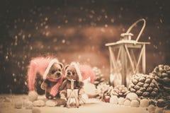Медведи игрушки в интерьере рождества Стоковое Изображение