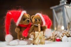 Медведи игрушки в интерьере рождества Стоковые Фотографии RF