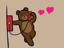 Медведь вызывая телефон влюбленности Стоковое Изображение RF