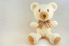 Медведь вязания крючком Стоковые Изображения