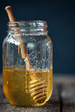 Мед в банке Стоковое фото RF
