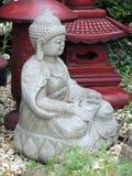 Медитативная статуя сада Стоковая Фотография