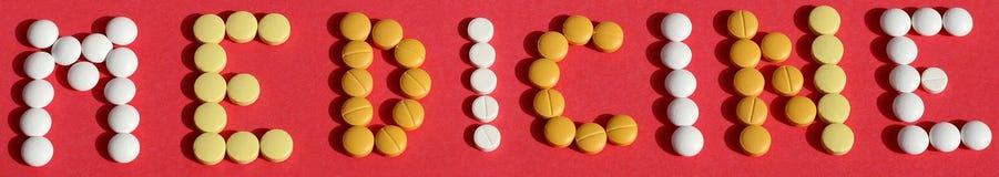 Медицина в конструированном логотипе Стоковое Изображение RF