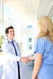 медицинская бригада рукопожатия Стоковая Фотография