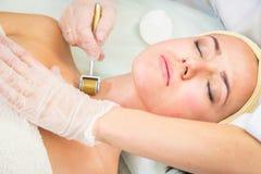 Медицинская косметическая процедура стоковое фото