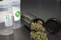 Медицинская крышка марихуаны Стоковая Фотография RF