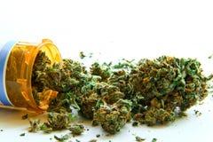 Медицинская марихуана c стоковые фото