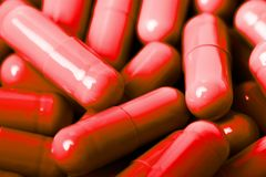 медицинские пилюльки и картина капсул на белой предпосылке Плоское положение, взгляд сверху Стоковые Фотографии RF