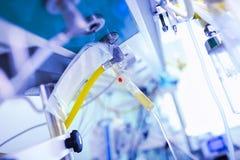 Медицинское изображение с оборудованием в палате стоковая фотография rf