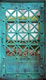 Медная дверь с патиной стоковое фото rf