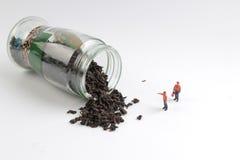 медсотрудники как игрушка вычисляют сторону чай сброса давления Стоковые Фотографии RF