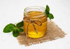 Мед с мятой Стоковые Фотографии RF