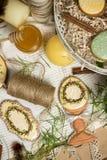 Мед-торты пасхального яйца подарка семьи, пряник, фотография весны торжества Стоковое фото RF