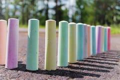Мел для крася стойки на асфальте Стоковые Изображения RF