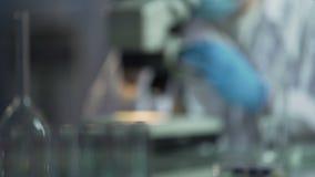 Микроорганизмы фильтра размножения ученого для вакцинирования животного, медицинского анализа видеоматериал