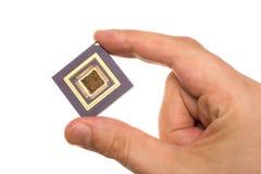 Микропроцессор в руке стоковые фотографии rf