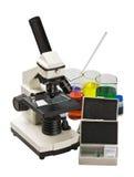 микроскопическое исследование оборудования Стоковое фото RF