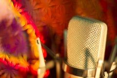 Микрофон голоса студии аудиозаписи вокальный Стоковая Фотография