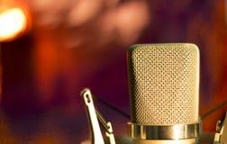 Микрофон голоса студии аудиозаписи вокальный Стоковая Фотография RF