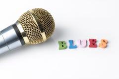 Микрофон на белой предпосылке, конец-вверх Стоковые Изображения