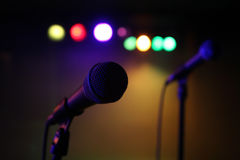 Микрофон на концерте стоковое фото