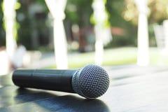 Микрофон на таблице Стоковая Фотография RF