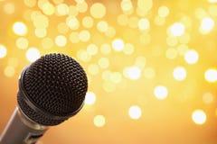 микрофон нерезкости светлый стоковое изображение