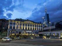 Милан, башня Unicredit и NH Palazzo Moscova, гостиница, угловая улица Melchiorre Gioia и граппа Viale Monte Италия Стоковые Изображения RF