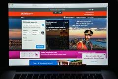 Милан, Италия - 10-ое августа 2017: Гостиницы домашняя страница вебсайта com Оно Стоковое фото RF