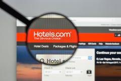 Милан, Италия - 10-ое августа 2017: Гостиницы домашняя страница вебсайта com Оно Стоковые Изображения RF