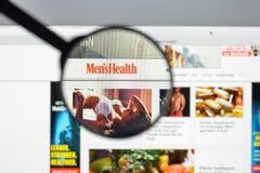 Милан, Италия - 10-ое августа 2017: Домашняя страница вебсайта здоровья людей I Стоковое Фото