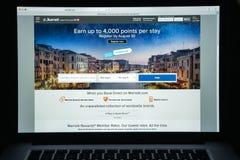 Милан, Италия - 10-ое августа 2017: Домашняя страница вебсайта Marriott Оно стоковое фото rf