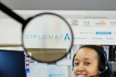 Милан, Италия - 10-ое августа 2017: Логотип фармации дипломата на мы Стоковые Изображения RF