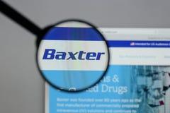 Милан, Италия - 10-ое августа 2017: Логотип Baxter международный на стоковые изображения