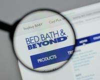 Милан, Италия - 10-ое августа 2017: Логотип Bed Bath & Beyond на мы Стоковые Фотографии RF