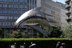 Милан, Италия - 10-ое августа 2018: Памятник Carabinieri, скульптор Luciano Minguzzi, аркада diaz, милан, Lombardia, Италия стоковая фотография