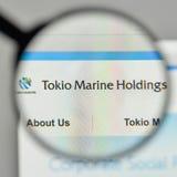 Милан, Италия - 1-ое ноября 2017: Логотип удерживаний Tokio морской на t Стоковое Изображение RF