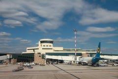 """Милан, Италия - 25-ое сентября 2018: Плоские """"авиакомпании международных перевозок Украины в аэропорте стоковые изображения"""