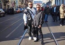 МИЛАН, Италия: 13-ое января 2019: Обмундирования стиля улицы во время человека 2019 MFW стоковое фото rf