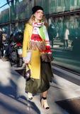 МИЛАН, Италия: 14-ое января 2019: Обмундирования стиля улицы во время человека 2019 MFW стоковая фотография