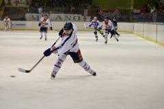 милан kostourek хоккея клуба стоковые фотографии rf