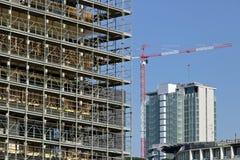 Милан r 21-ое марта 2019 Строительная площадка для конструкции современного здания стоковые изображения rf