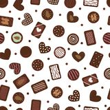 Милая безшовная картина с конфетами шоколада руки вычерченными Предпосылка мультфильма сладкая Сортированный sweetmeat Десерты ед стоковые фотографии rf