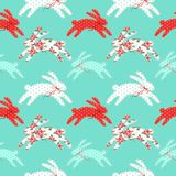 Милая винтажная картина пасхи безшовная с зайчиками как ретро applique заплаты ткани в затрапезном шикарном стиле Стоковое Изображение