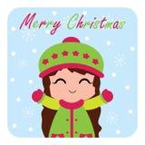 Милая девушка счастлива наслаждается падением снега соответствующим для рождественской открытки Стоковая Фотография
