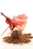 Милая девушка с скрипкой на белизне Стоковые Изображения