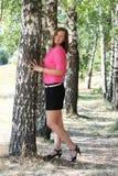 Милая женщина в парке Стоковое Изображение RF